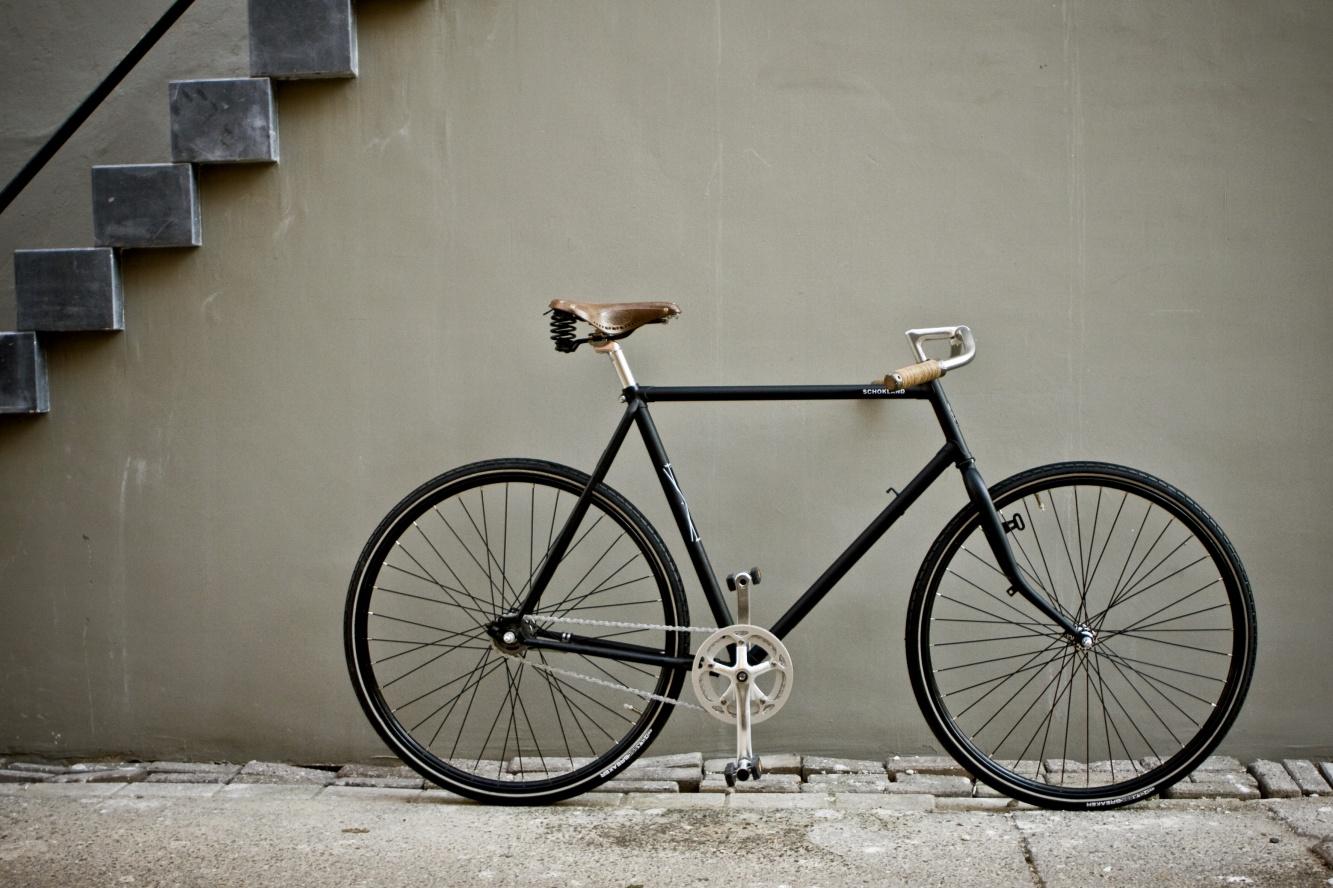 azor dirks fietsenwerkplaats. Black Bedroom Furniture Sets. Home Design Ideas